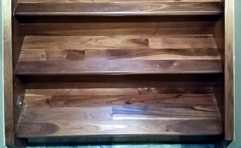 Prefinished Natural Walnut Staircase